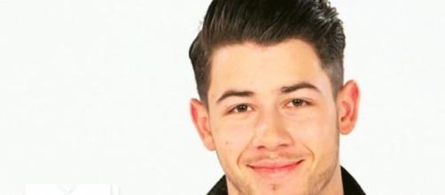 Nick Jonas dice que Ariana Grande es increible