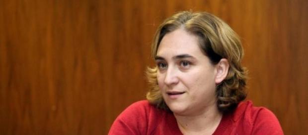 Ada Colau, resistiendo ante las presiones de ERC