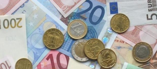 Gli aiuti alla Grecia nell'occhio del ciclone