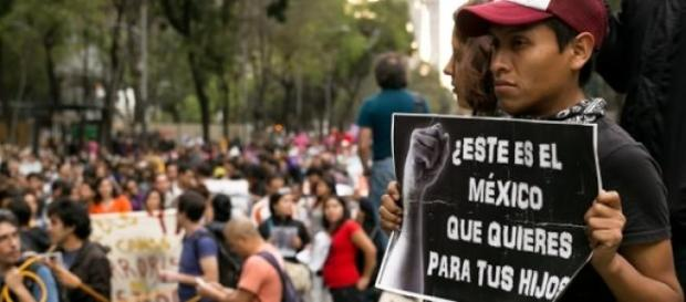 Protestas por los estudiantes desaparecidos