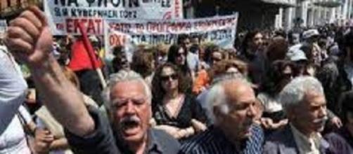 Una dimostrazione pubblica del popolo greco.