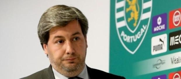 Bruno de Carvalho quer reduzir custos.