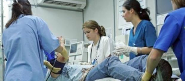 O doctoriță și două asistente au fost bătute