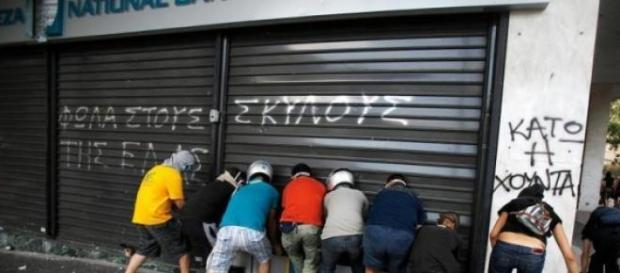 Una imagen familiar para el argentino, Grecia hoy.