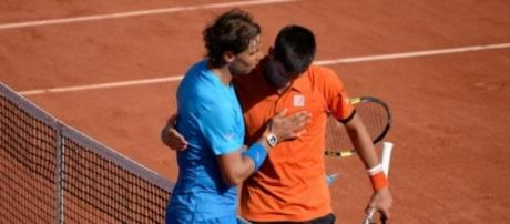 Nadal saluda a Djokovic tras su justo triunfo