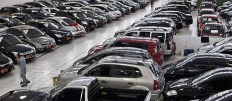 Vendas de carros novos caem no Brasil