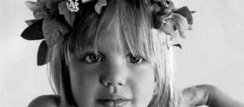 La actriz Angelina Jolie cuando era una niña