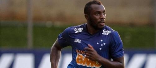Manoel, em treino pelo Cruzeiro.