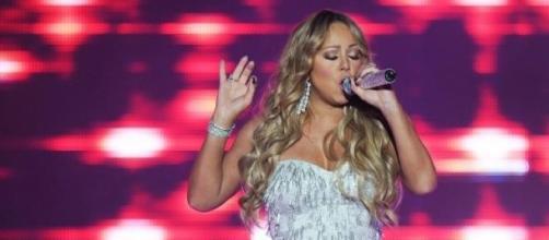 Mariah Carey é criticada por seu irmão