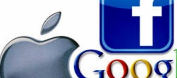 Apple acuza Google si Facebook