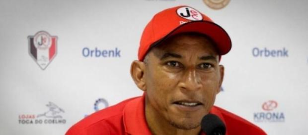 Joinville oficializou a saida de Hemerson Moreira