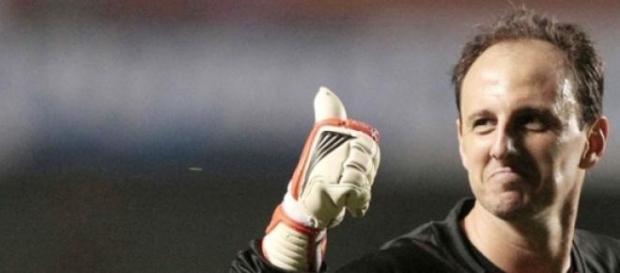Goleiro seguirá ajudando o São Paulo em 2015
