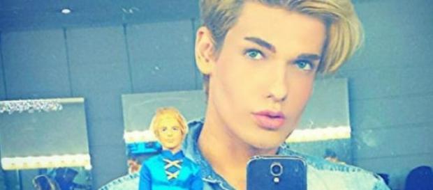 Ken humano morre aos 21 anos