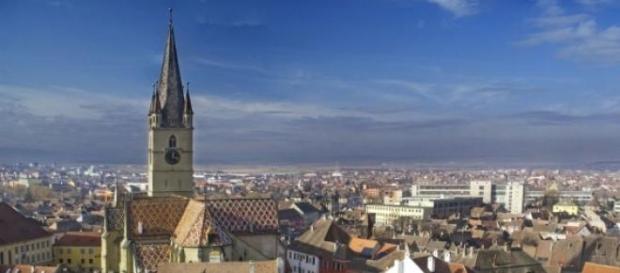 Vedere aeriană a Pieţei Mici din Sibiu