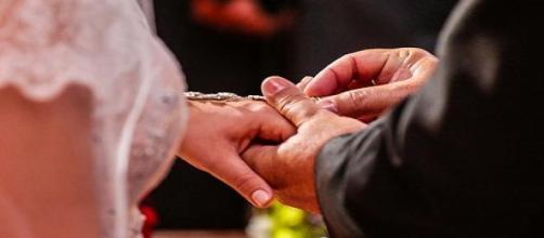 O casamento está marcado para 13 de Junho.