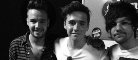 Brooklyn Beckham com Liam Payne e Louis Tomlinson