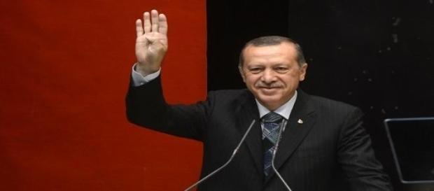 Il Presidente turco Erdogan durante una conferenza