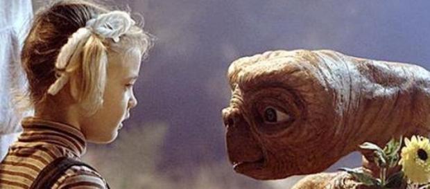 Primul contact cu extraterestri