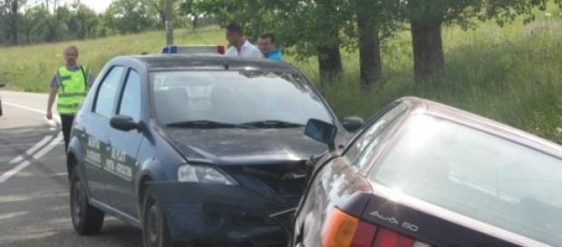 Accident cu maşina APIA pe DN 58