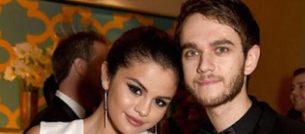 Selena y Zedd en un acto público.