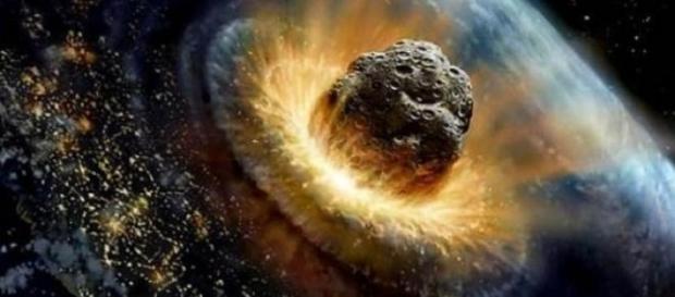 Un asteroid va lovi Pământul în septembrie