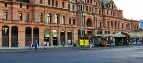 Plaza Constitución, Ferrocarril Roca
