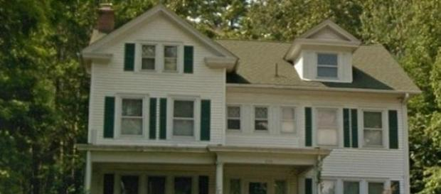 Casa parinteasca a fratilor gemeni