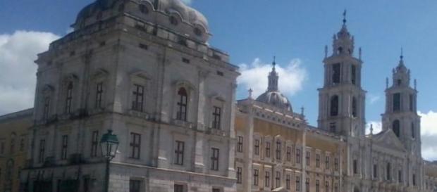 Palácio de Mafra - Construído com ouro do Brasil