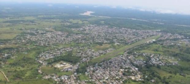 Une vue aérienne de Puerto Asis en Colombie.