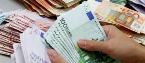 Reddito minimo, 550 euro al mese per due anni