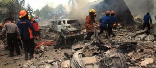 Un'immagine del disastro aereo avvenuta a Medan