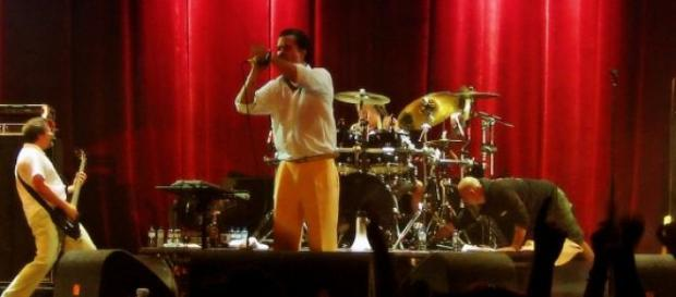 Faith No More hizo una versión de 'All my Life'