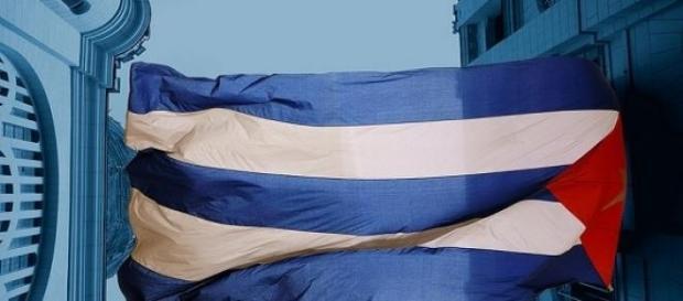 Riaprono le ambasciate a l'Avana e a Washington