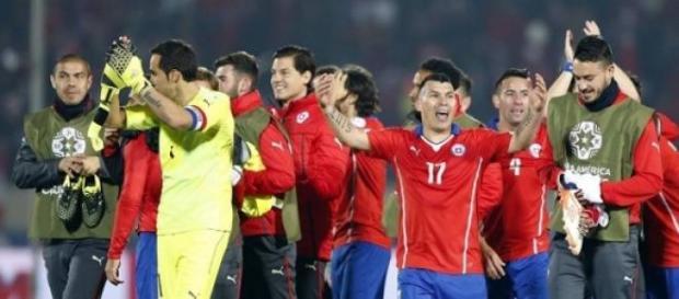 Seleção Chilena festeja passagem à final
