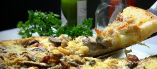 Em fatias, pizza incentiva o compartilhamento.