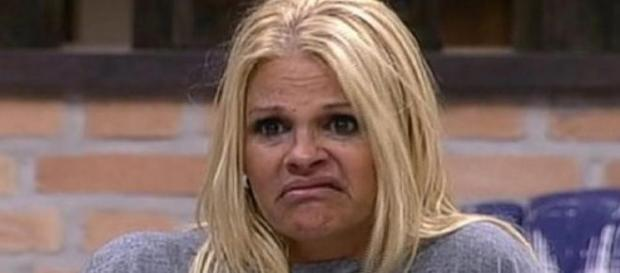 Monique Evans detona Globo