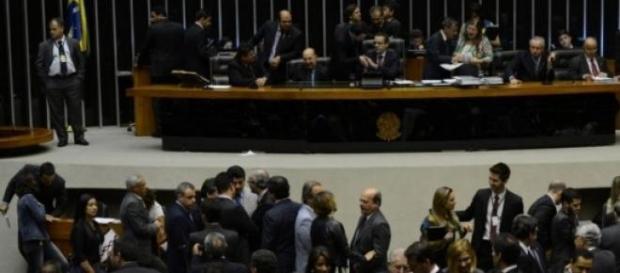 Parlamentares se mobilizam para nova votação
