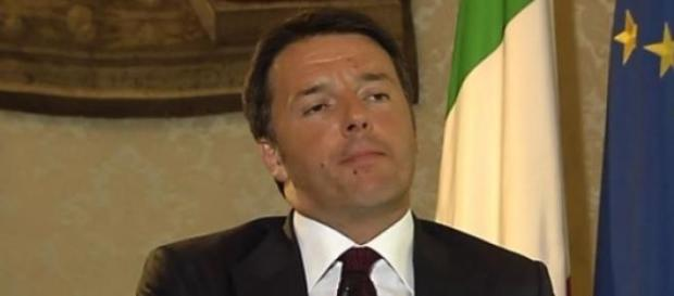 Scuola ultime notizie 10/7, Renzi 'festeggia'
