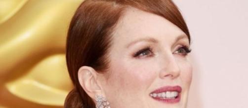 Modelo exclusivo Chanel para Moore no Oscar 2015