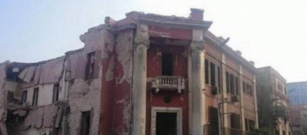 Consolato italiano al Cairo colpito da autobomba