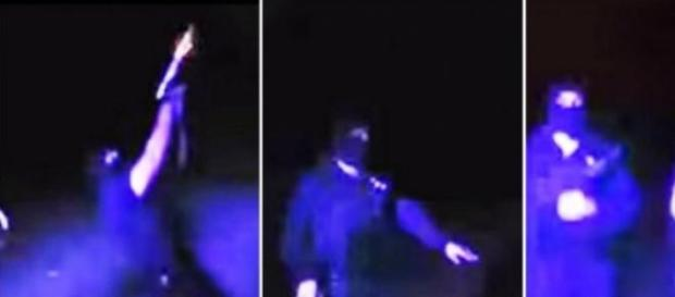 Policías bailando y disparando al aire
