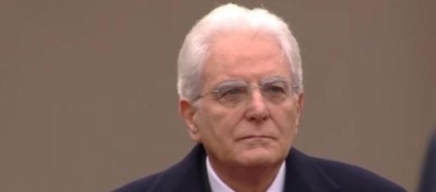 Scuola ultime news: Mattarella ha la legge in mano