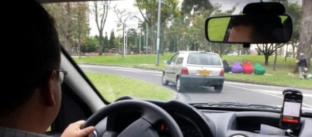 Um motorista da Uber ameaçou de morte uma cliente