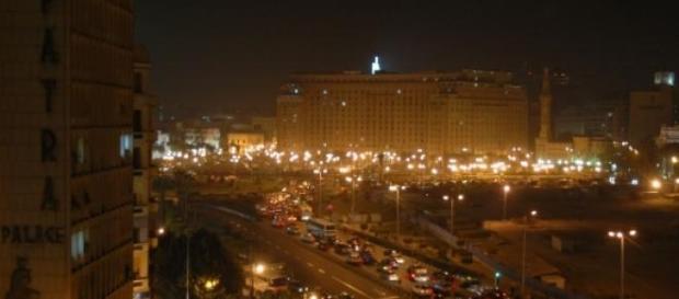 Una veduta notturna della capitale egiziana