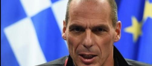 Yanis Varoufakis contro l'accordo Tsipras-Juncker.