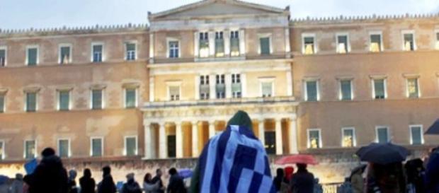 manifestanti in piazza ad Atene