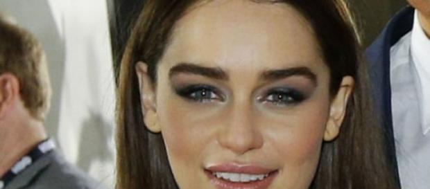 Was bedeutet das Tattoo von Emilia Clarke?