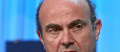 El español Luis de Guindos pierde la votación
