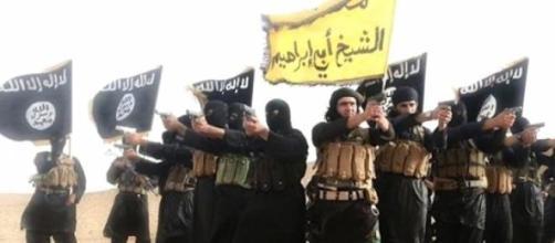Esponenti dell'Isis in posa