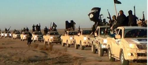 Isis fa esplodere bimbo come esercitazione